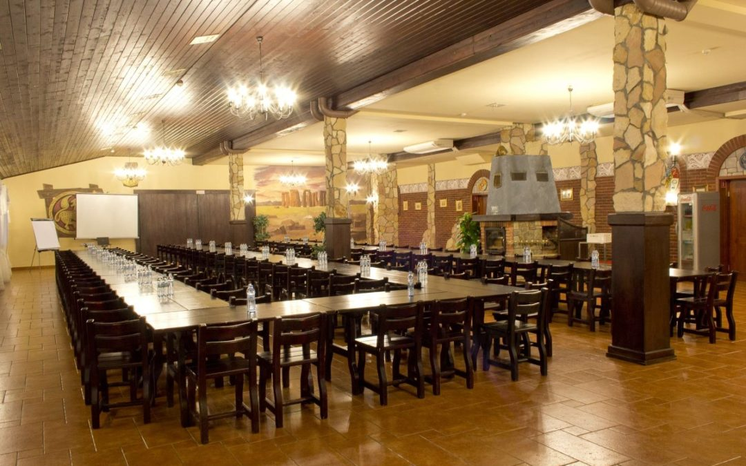 Sala konferencyjna w Niepołomicach w hotelu Zajazd Celtycki. Zapraszamy firmy do współpracy!